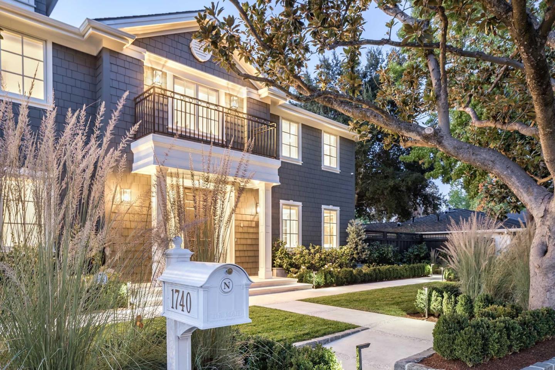 Detail Gallery Image 1 of 45 For 1740 Oak Ave, Menlo Park, CA 94025 - 7 Beds | 5/1 Baths