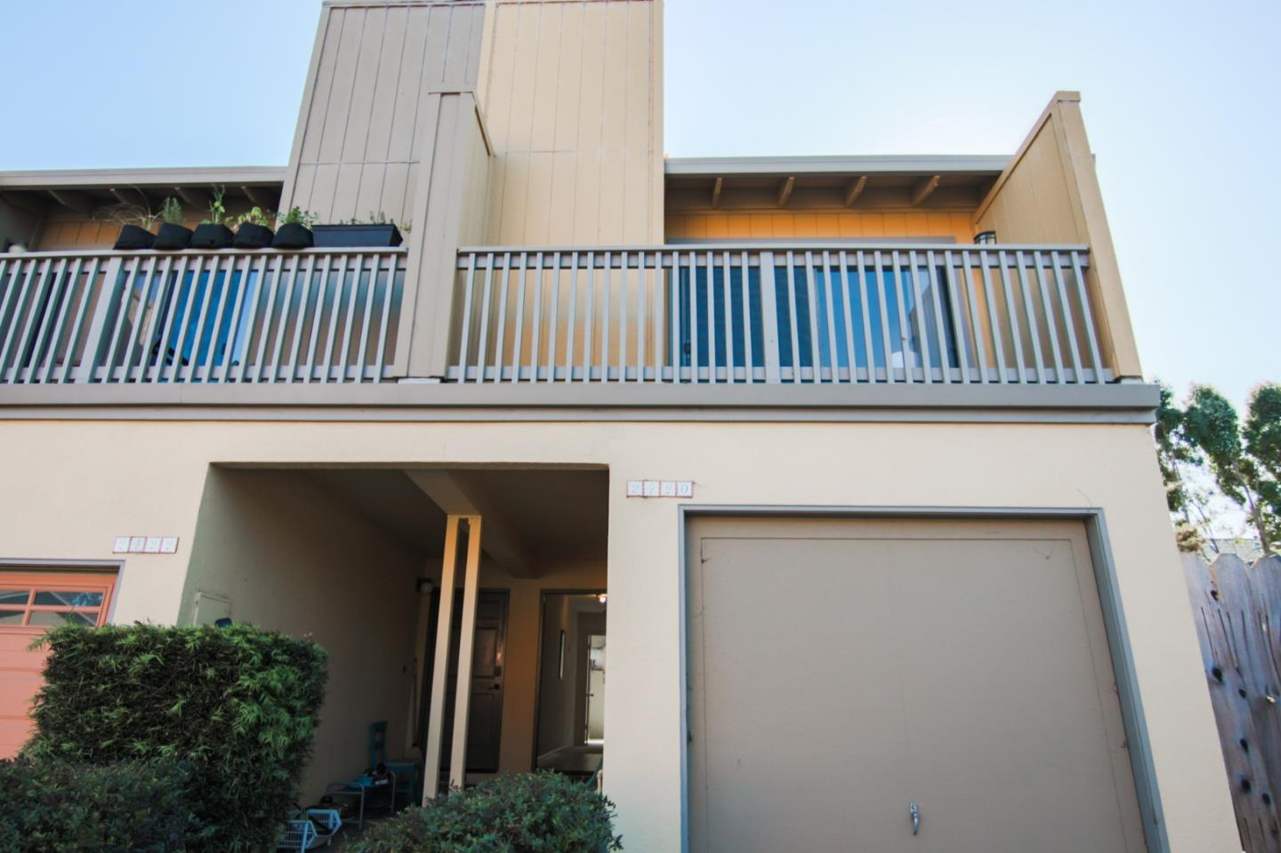 Detail Gallery Image 1 of 1 For 2420 Oriole Ln, Santa Cruz, CA 95062 - 1 Beds | 1/1 Baths
