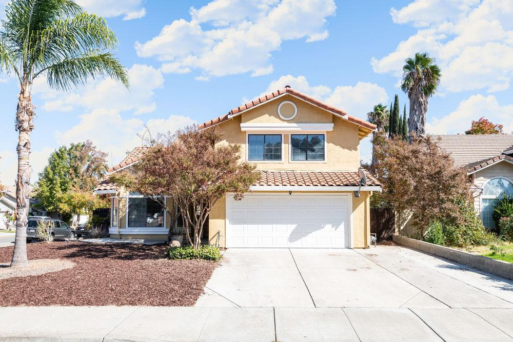 Detail Gallery Image 1 of 24 For 750 Kings Canyon Ct, Tracy, CA 95376 - 5 Beds   3 Baths