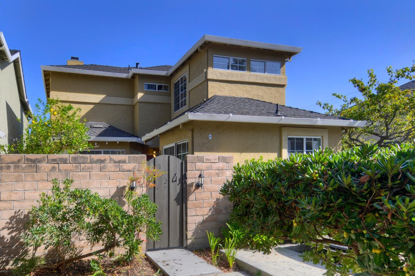Detail Gallery Image 1 of 1 For 1229 Sanchez Way, Redwood City, CA 94061 - 3 Beds | 2/1 Baths