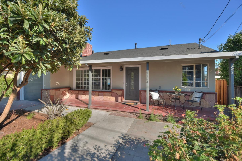 2284 Dumbarton Avenue East Palo Alto, CA 94303