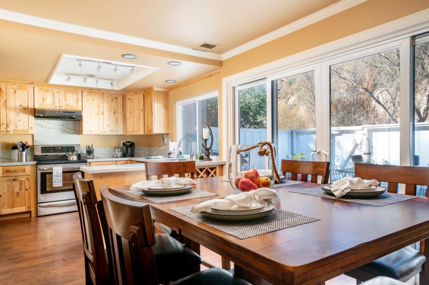 Detail Gallery Image 1 of 1 For 19227 Creekside Ln, Salinas,  CA 93908 - 3 Beds | 2 Baths