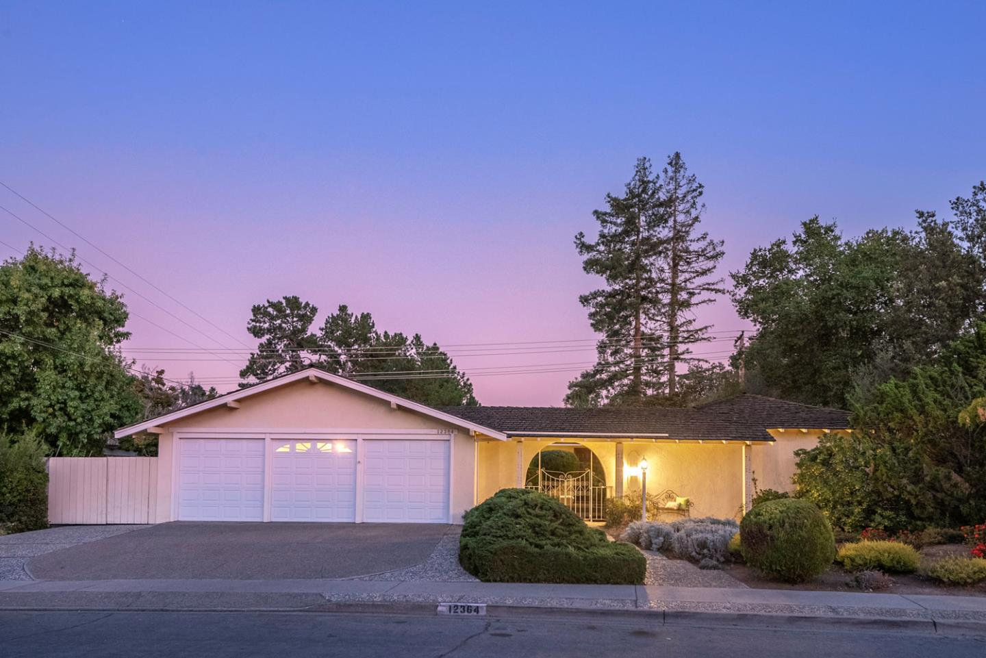 Detail Gallery Image 1 of 1 For 12364 Larchmont Ave, Saratoga,  CA 95070 - 4 Beds   2/1 Baths