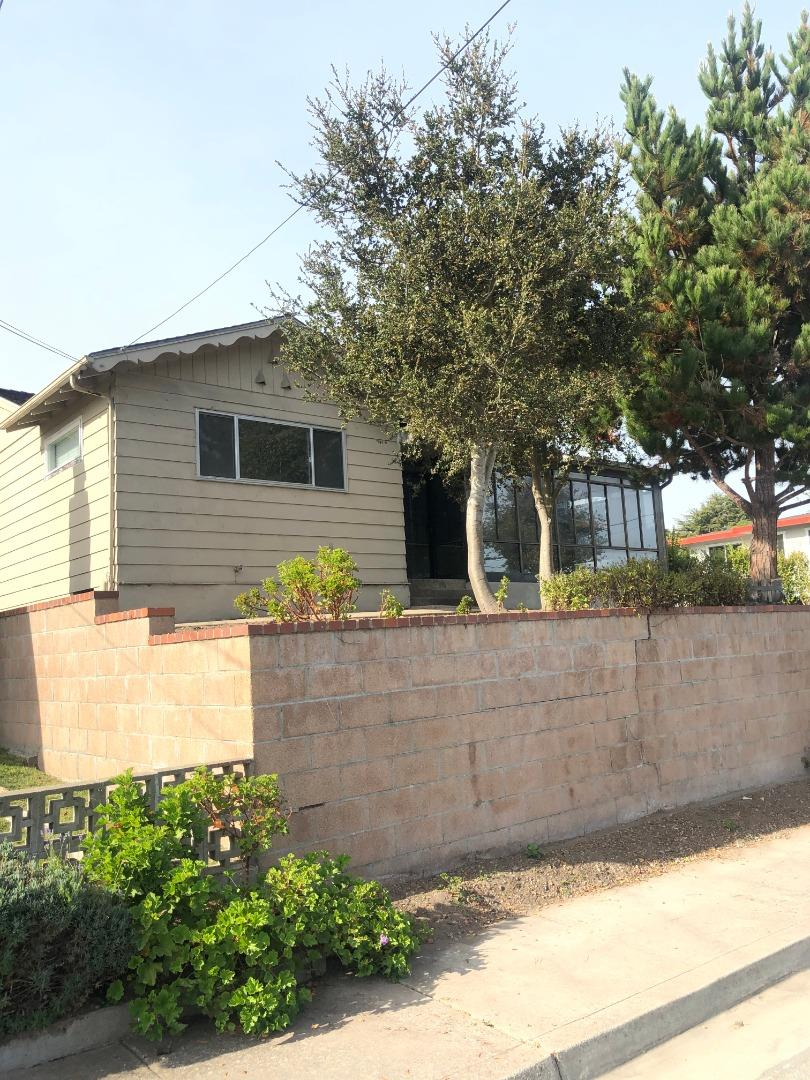 Detail Gallery Image 1 of 1 For 699 Archer St, Monterey,  CA 93940 - 3 Beds   2 Baths