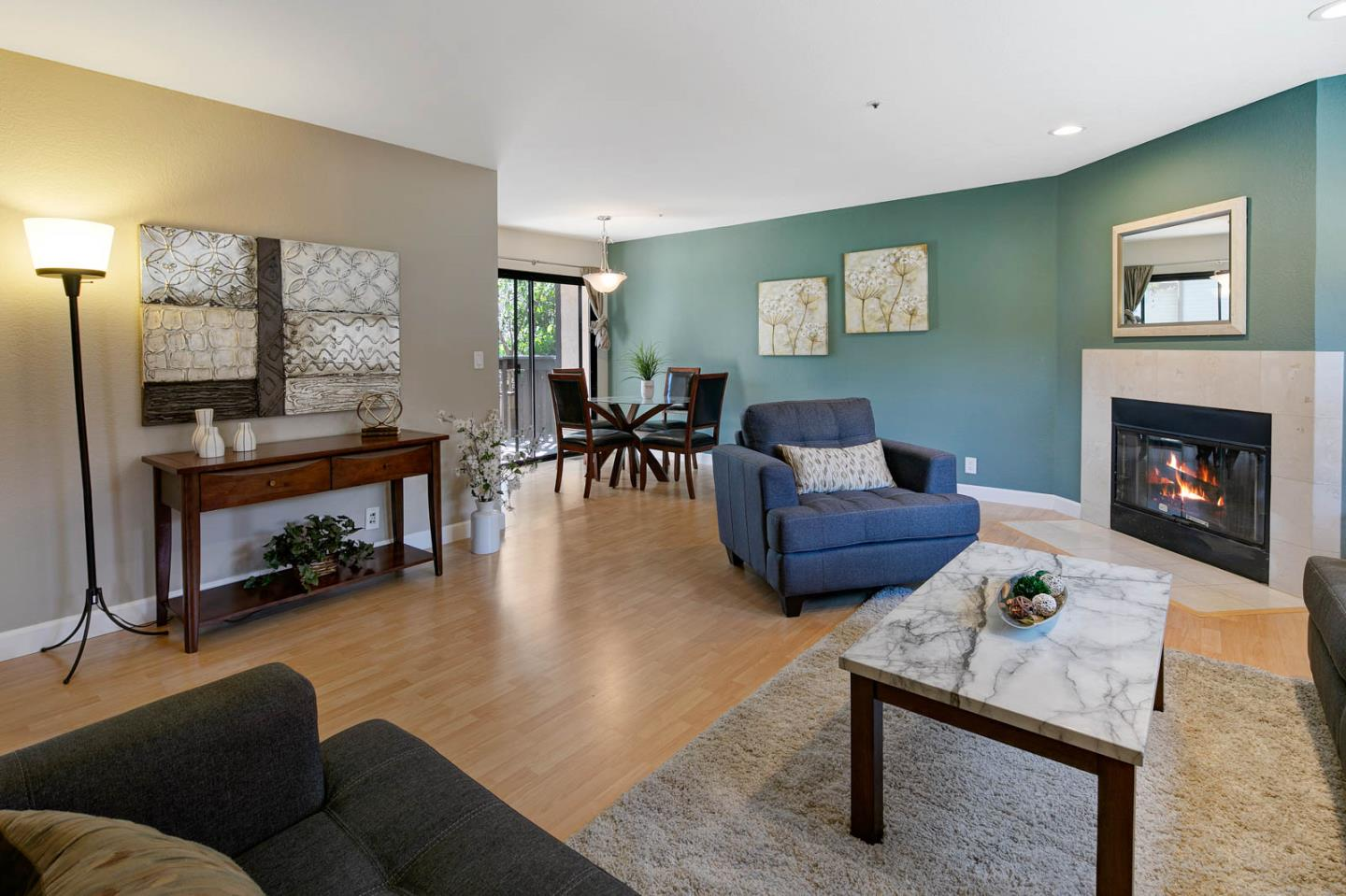 Detail Gallery Image 1 of 1 For 127 Crescent Ave, Sunnyvale,  CA 94087 - 2 Beds | 2/1 Baths