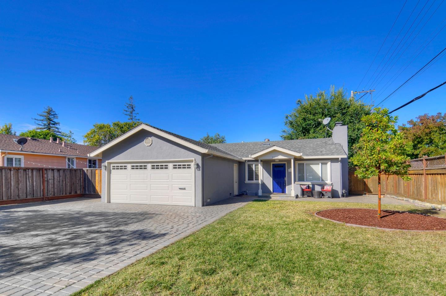 Detail Gallery Image 1 of 29 For 1115 Haven Ave, Redwood City, CA 94063 - 3 Beds | 2 Baths