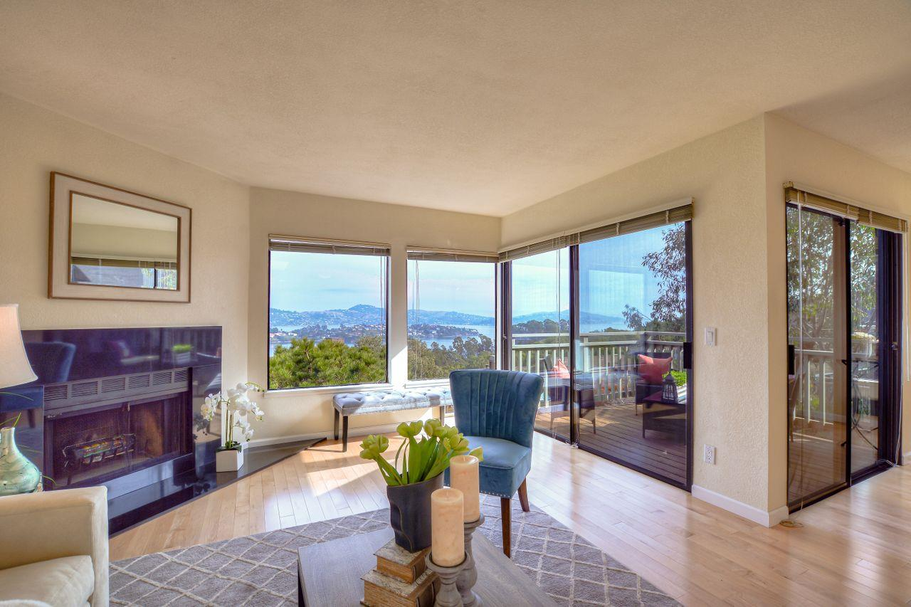 Detail Gallery Image 1 of 1 For 218 Headlands Ct, Sausalito,  CA 94965 - 2 Beds | 2/1 Baths