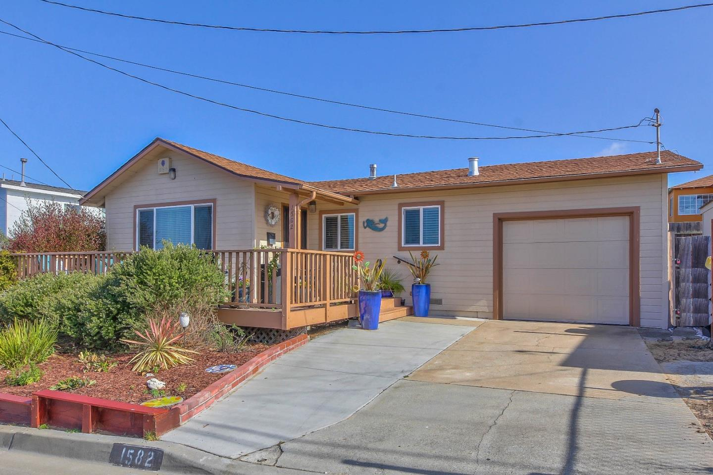 Detail Gallery Image 1 of 1 For 1582 Vallejo St, Seaside,  CA 93955 - 3 Beds | 2 Baths