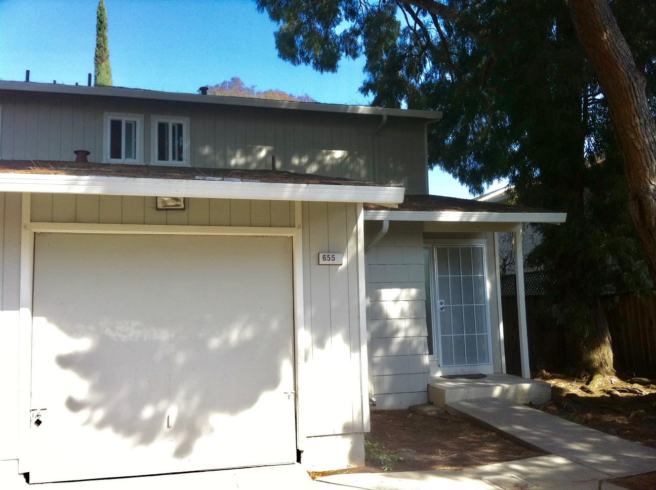 Detail Gallery Image 1 of 1 For 655 Foster Ct #2, Hayward, CA 94544 - 2 Beds   1/1 Baths