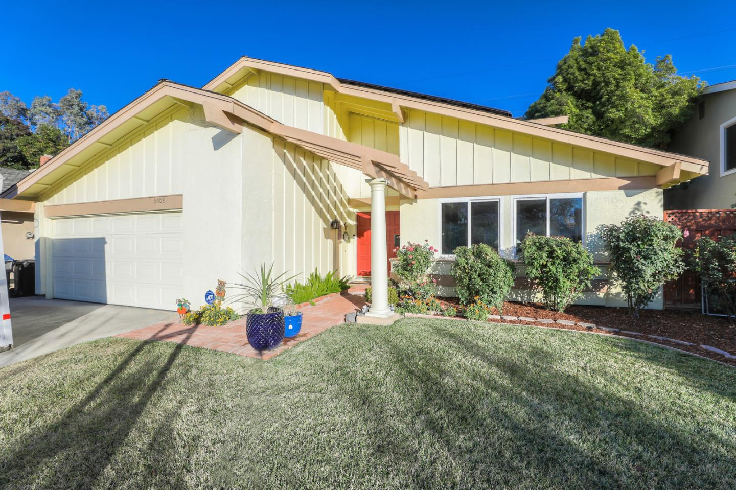 Detail Gallery Image 1 of 1 For 6508 Hercus Ct, San Jose,  CA 95119 - 4 Beds | 2/1 Baths