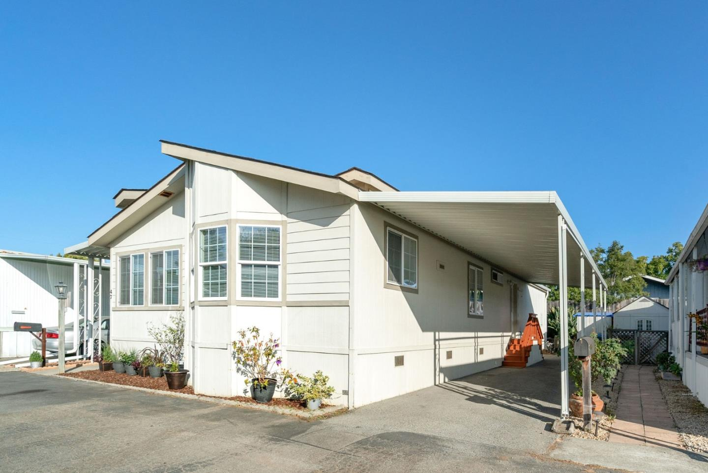 Detail Gallery Image 1 of 24 For 3710 Gross Rd #47, Santa Cruz, CA 95062 - 3 Beds | 2 Baths