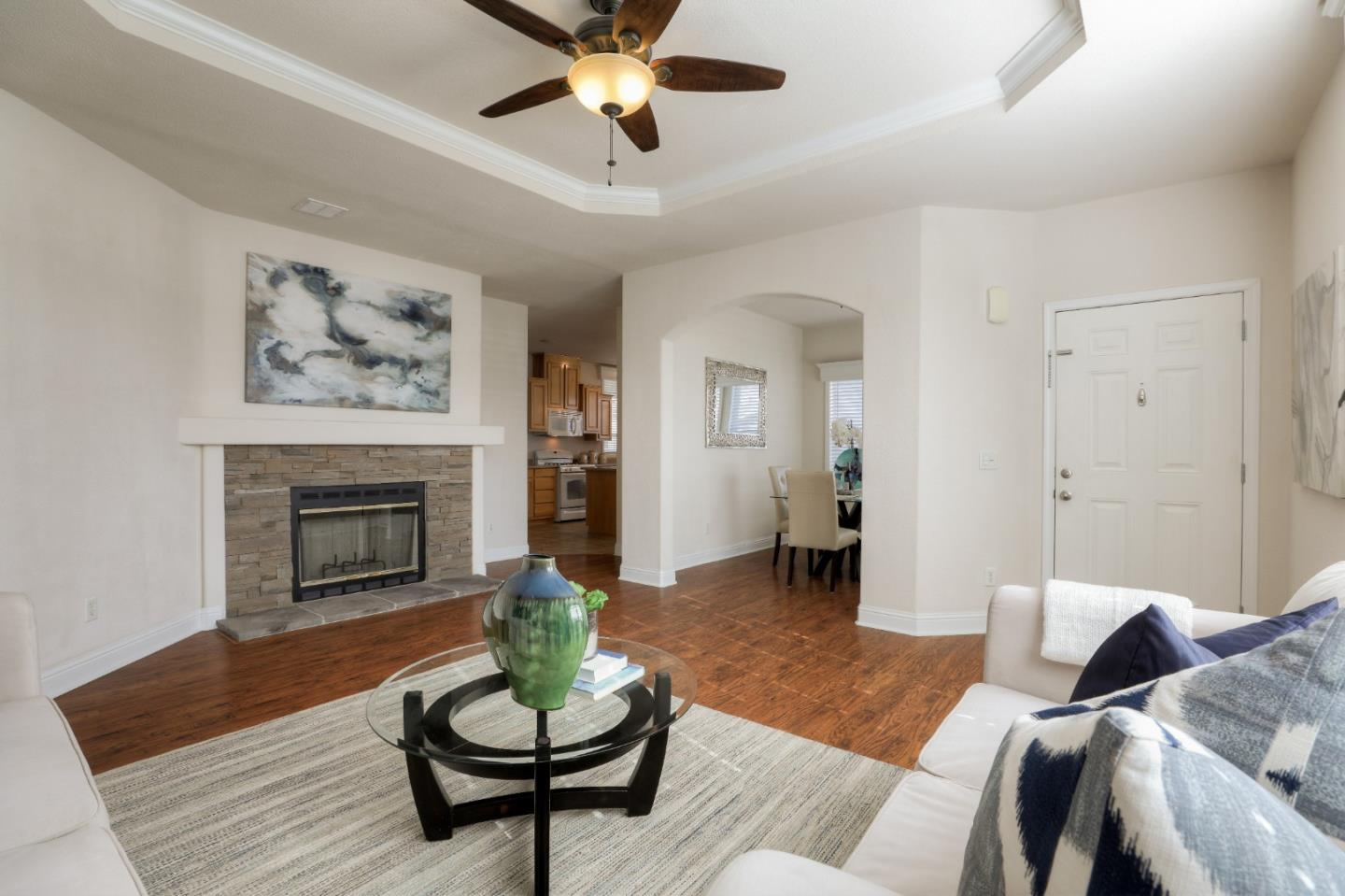 Detail Gallery Image 1 of 1 For 595 Millpond Drive #595,  San Jose,  CA 95125 - 3 Beds | 2 Baths