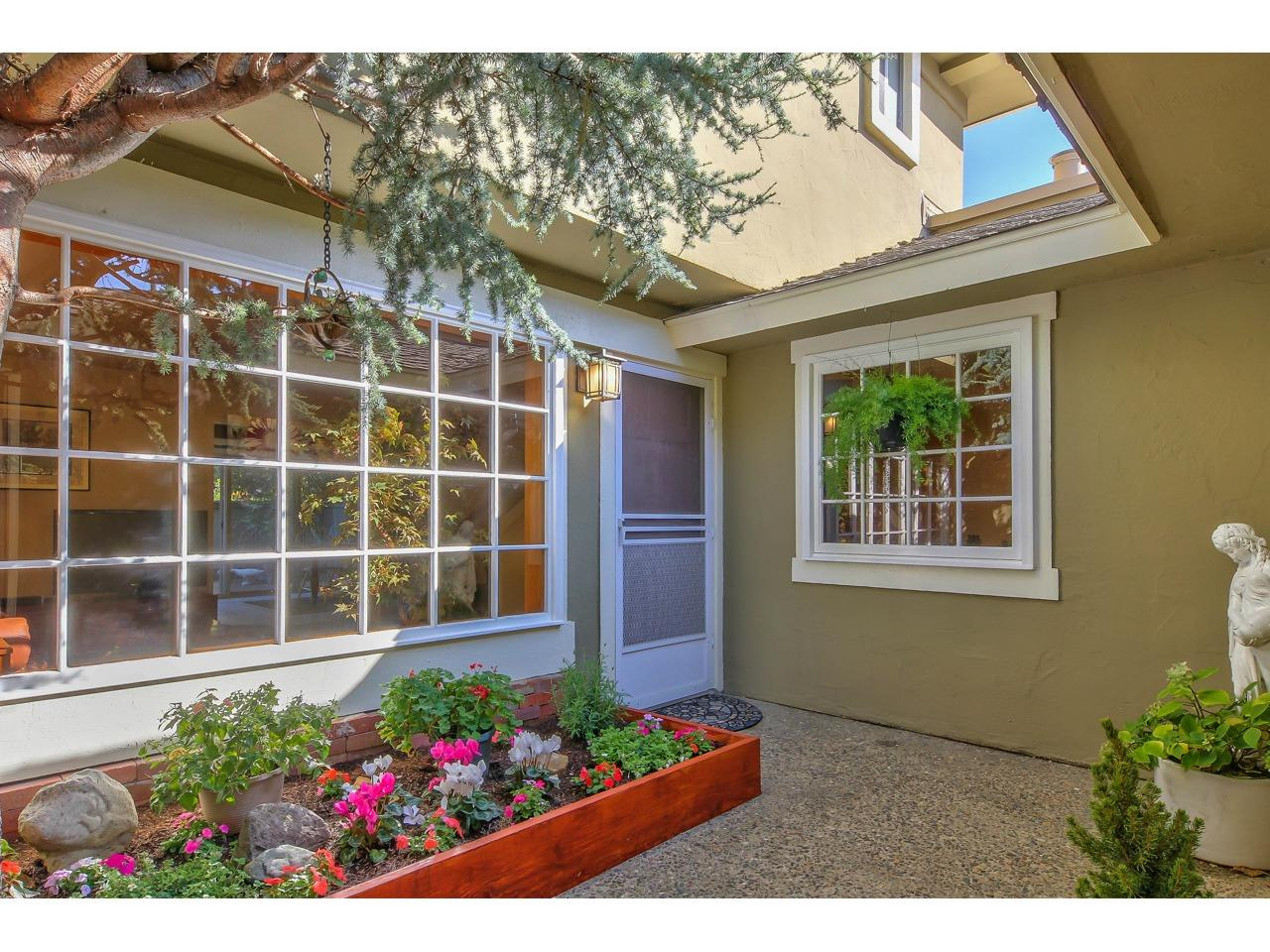 Detail Gallery Image 1 of 1 For 19501 Creekside Ct, Salinas,  CA 93908 - 3 Beds | 2/1 Baths