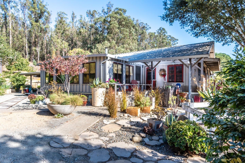 14520 Ridgecrest Road Royal Oaks, CA 95076