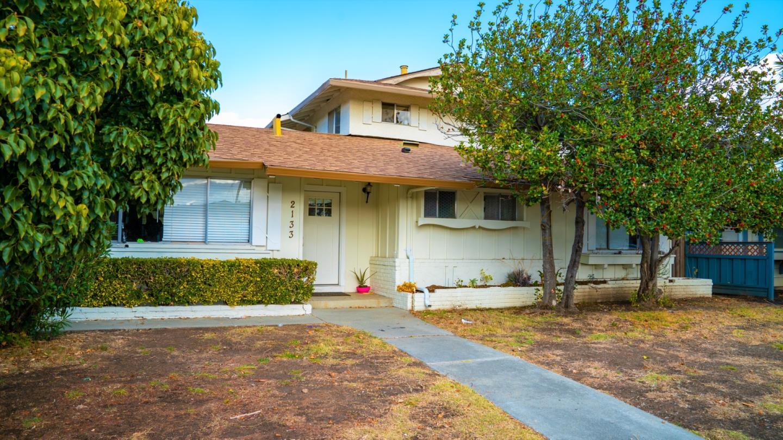 2133 Town and Country Santa Clara, CA 95050