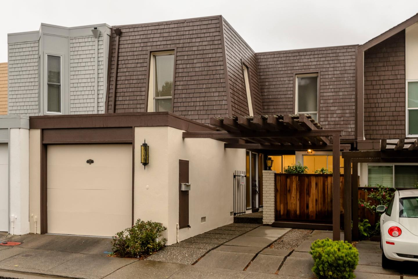 Detail Gallery Image 1 of 1 For 114 Oxford Ln, San Bruno,  CA 94066 - 3 Beds | 2/1 Baths