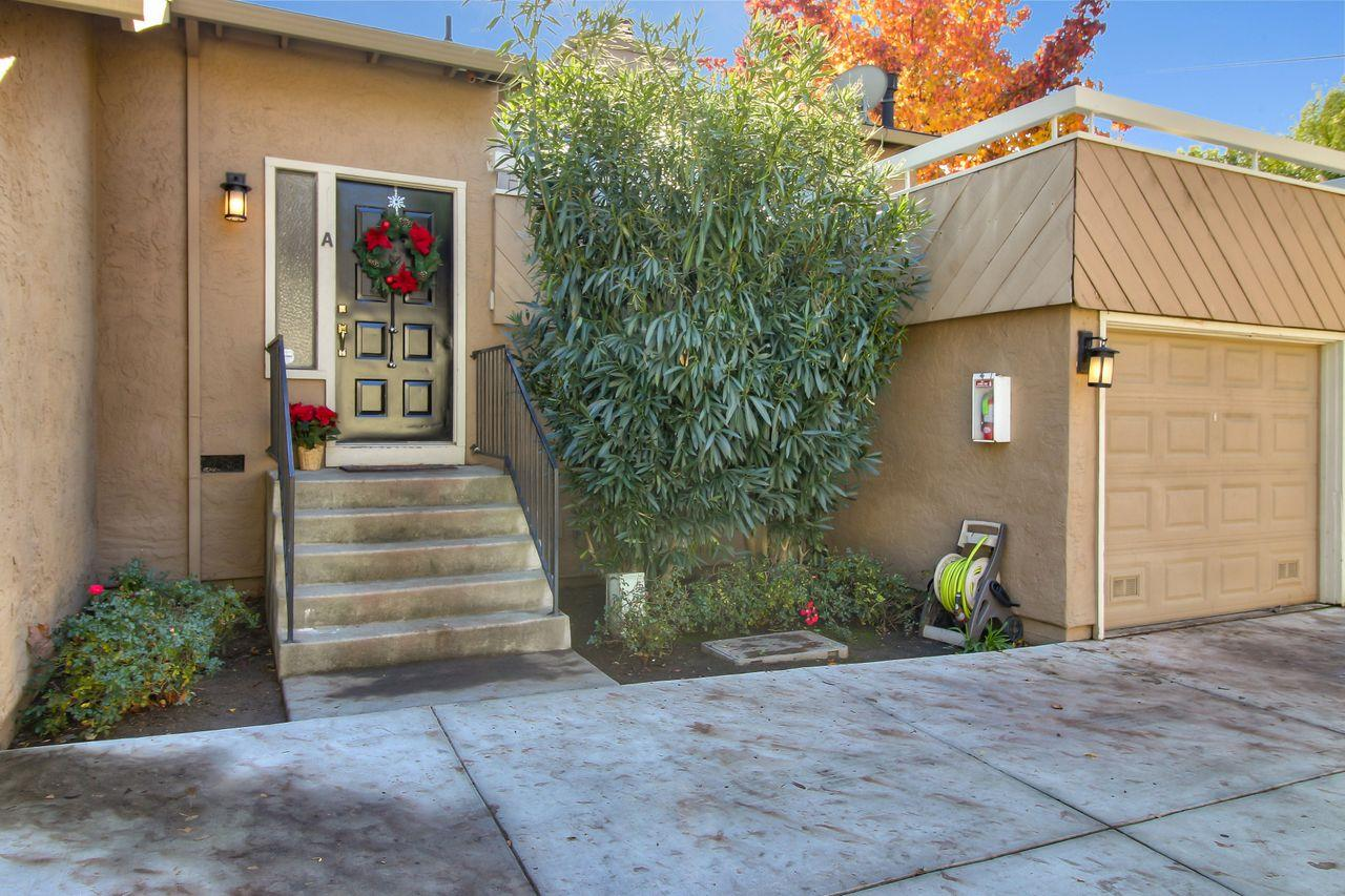Detail Gallery Image 1 of 1 For 2128 Canoas Garden Ave #A,  San Jose,  CA 95125 - 2 Beds   1/1 Baths