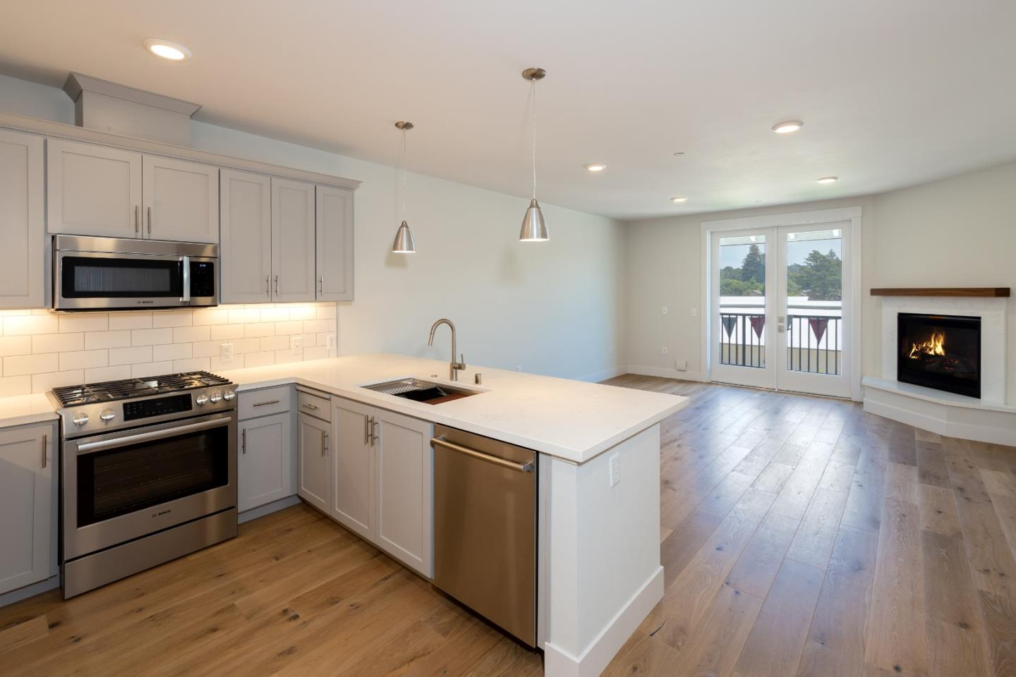 Detail Gallery Image 1 of 1 For 141 Aptos Village Way #203,  Aptos,  CA 95003 - 1 Beds | 1 Baths