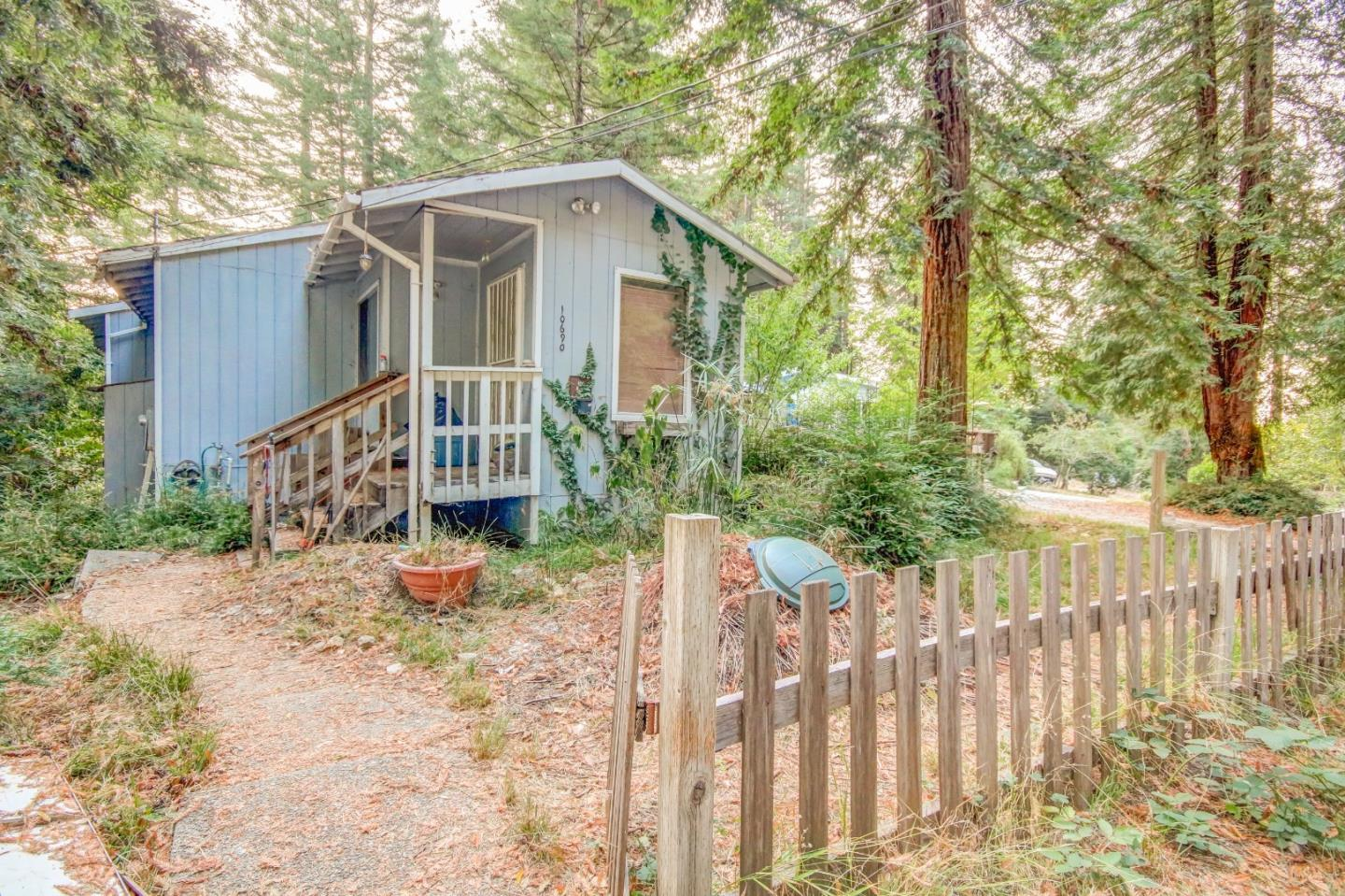 Fixer with a future! 2 bedroom, 1 bath + bonus room - built in 1985 with full perimeter foundation & double wall construction. Hardwood floors, large laundry room & generous sub-area for additional storage needs. Perfect opportunity for sweat equity. BRAND NEW SEPTIC TANK!