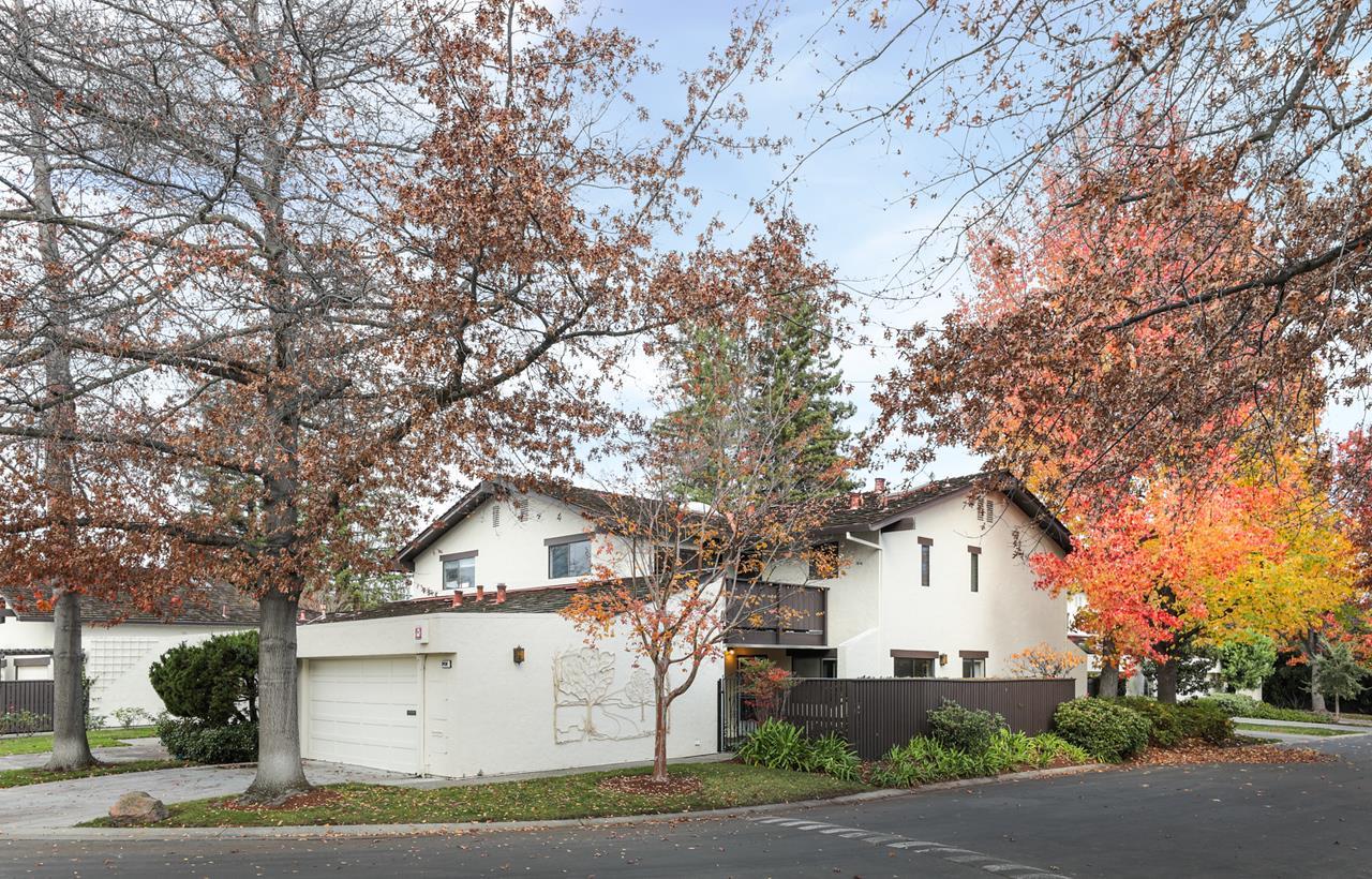 Detail Gallery Image 1 of 1 For 2450 Sharon Oaks Dr, Menlo Park,  CA 94025 - 4 Beds   3 Baths