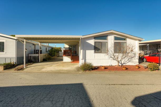 Detail Gallery Image 1 of 40 For 33 Sailfish Ct #33, Half Moon Bay, CA 94019 - 2 Beds | 2 Baths