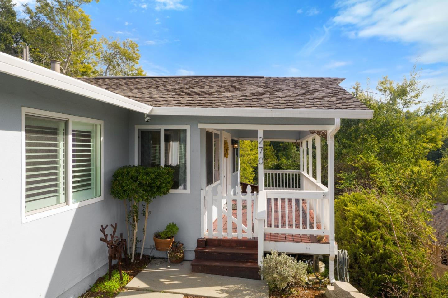 Detail Gallery Image 1 of 26 For 270 Tabor Dr, Scotts Valley, CA 95066 - 3 Beds | 2 Baths