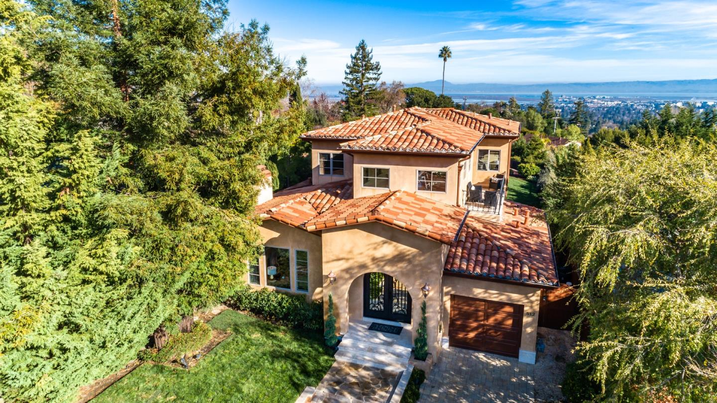 512 LAKEVIEW WAY, Redwood City, California