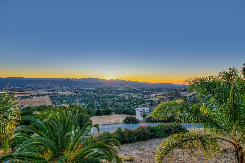 16645 Oak View Circle Morgan Hill, CA 95037