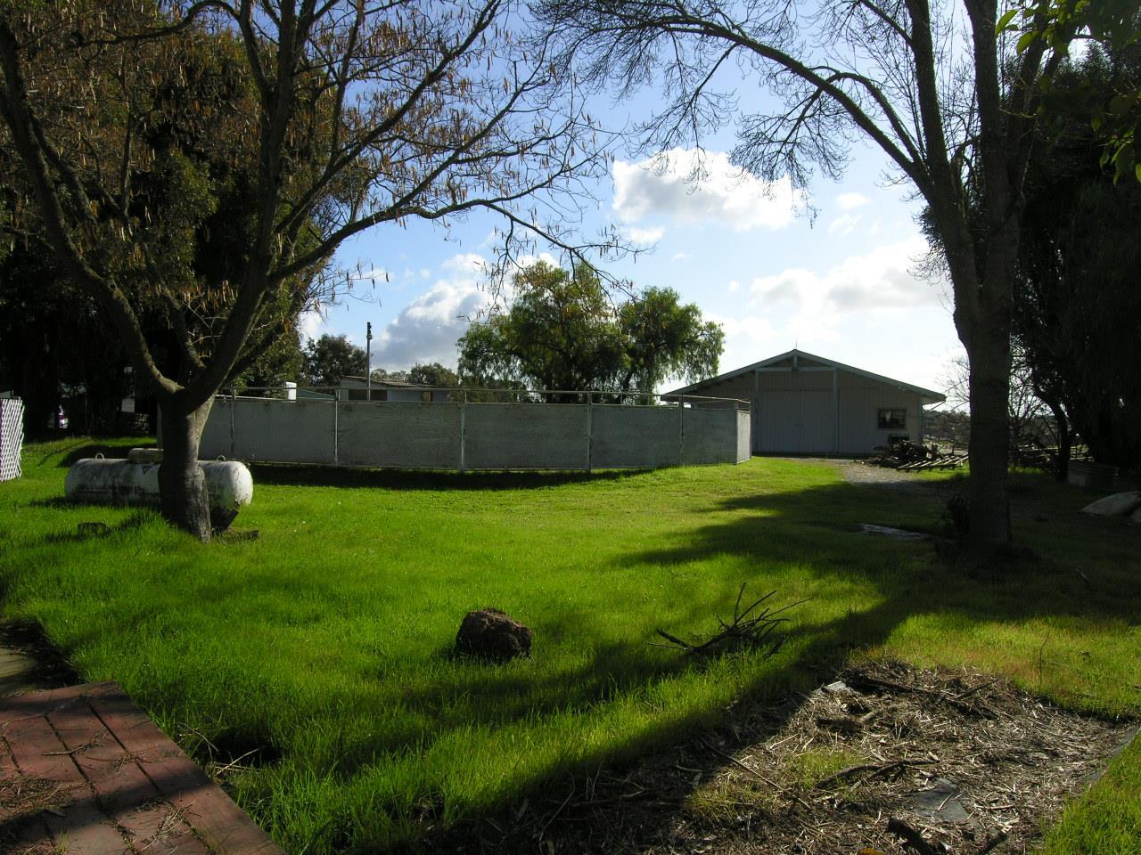 2450 Meadow Lark LN Gilroy, CA 95020