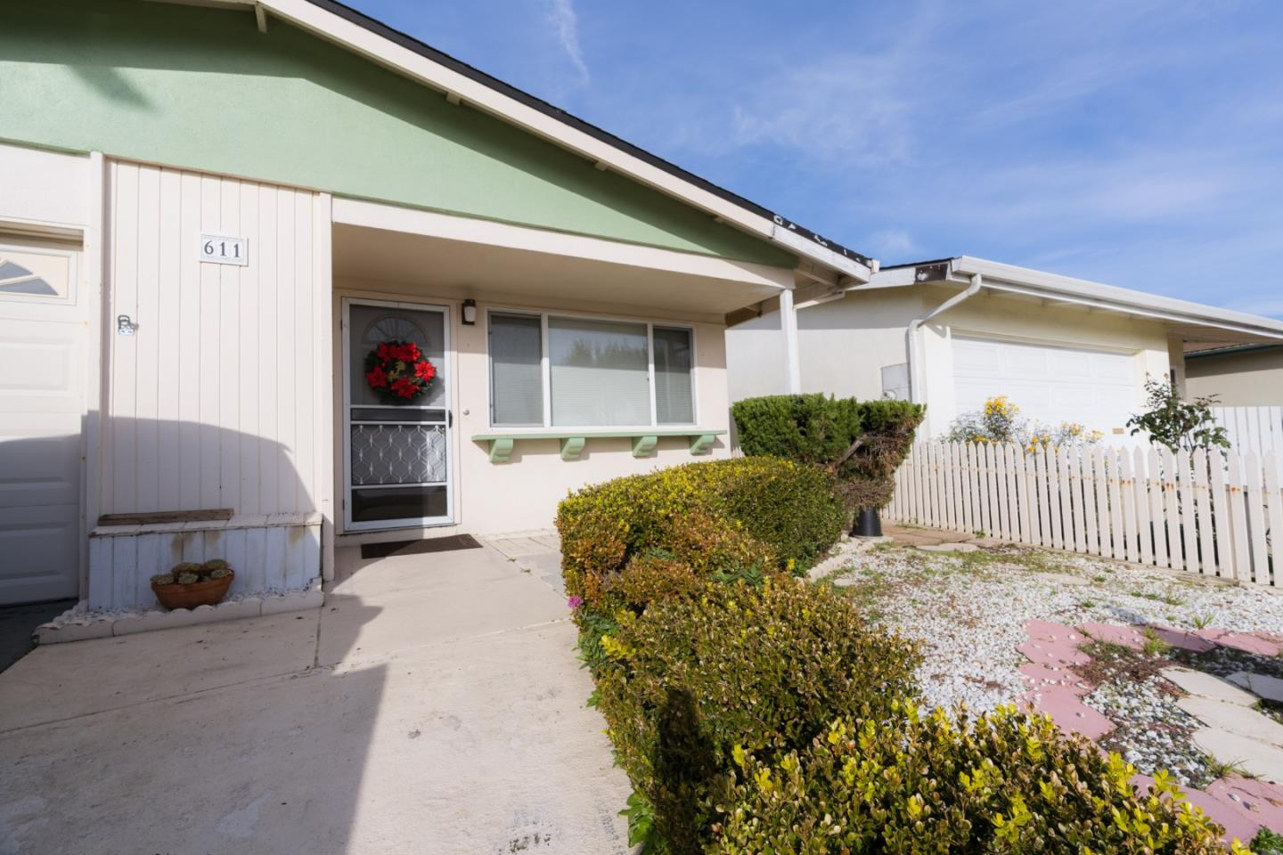 Detail Gallery Image 1 of 1 For 611 Bridge St, Watsonville,  CA 95076 - 2 Beds   1 Baths