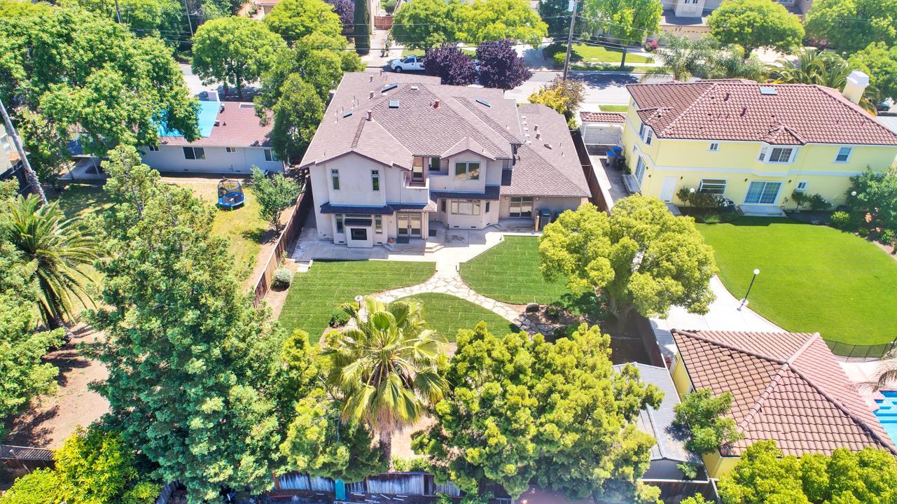 1033 Windsor Street San Jose, CA 95129