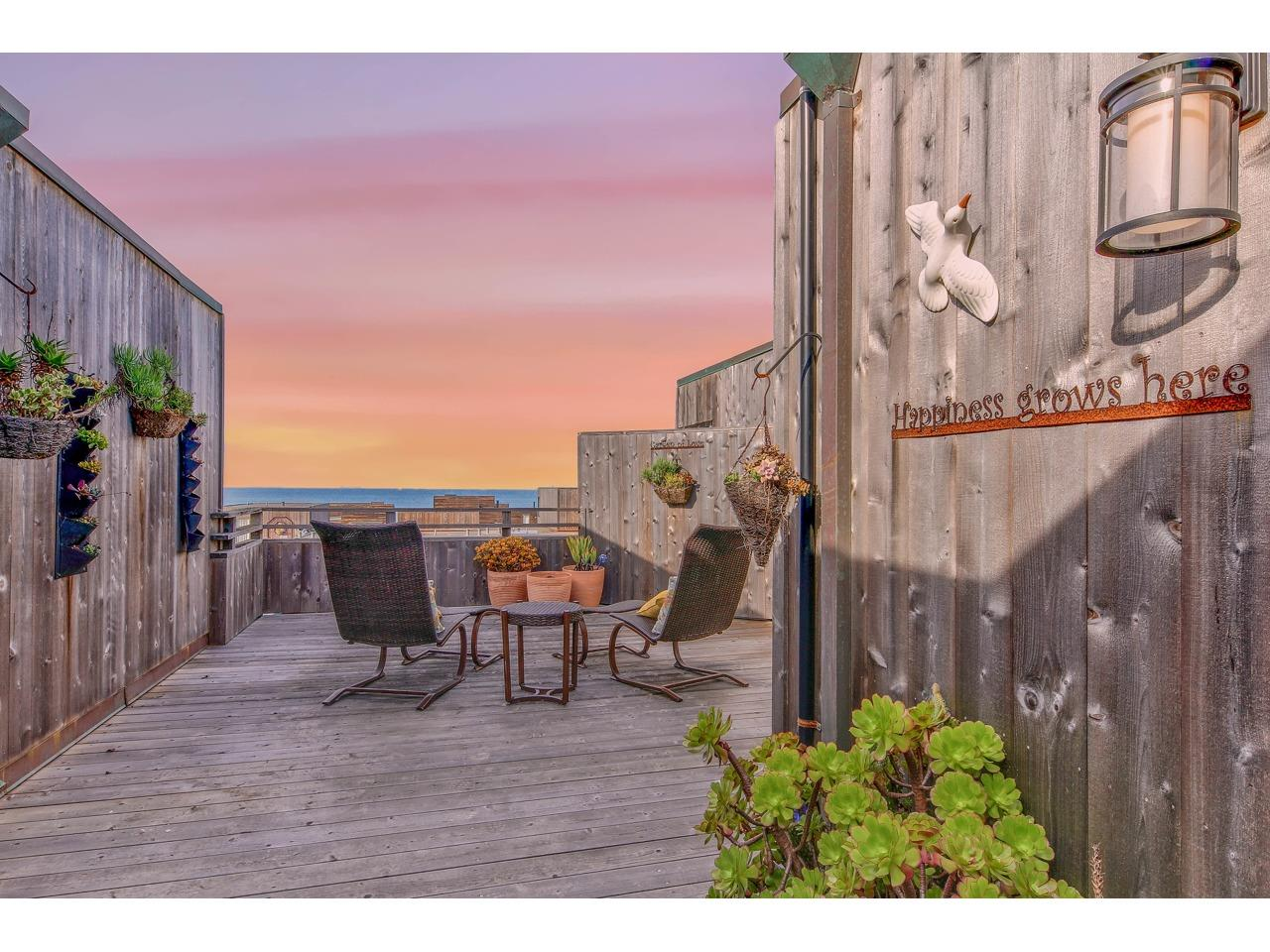 Detail Gallery Image 1 of 1 For 125 Surf Way #439,  Monterey,  CA 93940 - 2 Beds | 2 Baths