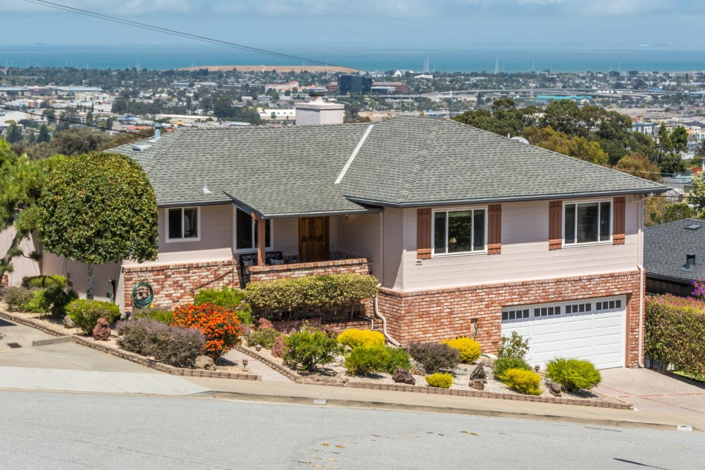 Detail Gallery Image 1 of 1 For 534 La Casa Ave, San Mateo,  CA 94403 - 3 Beds | 2 Baths