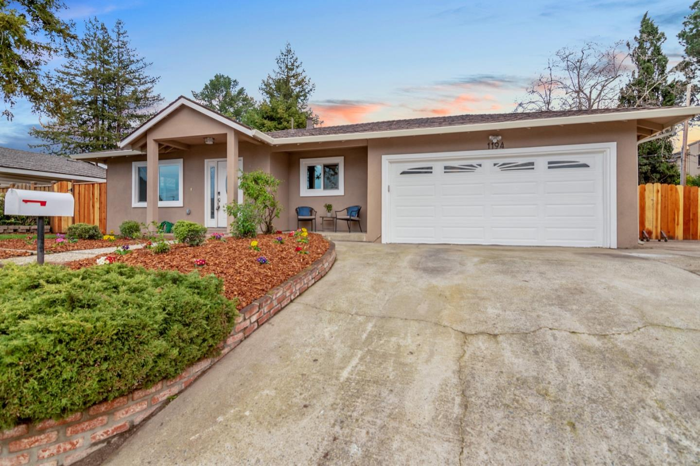 1194 HOLMES AVE, CAMPBELL, CA 95008
