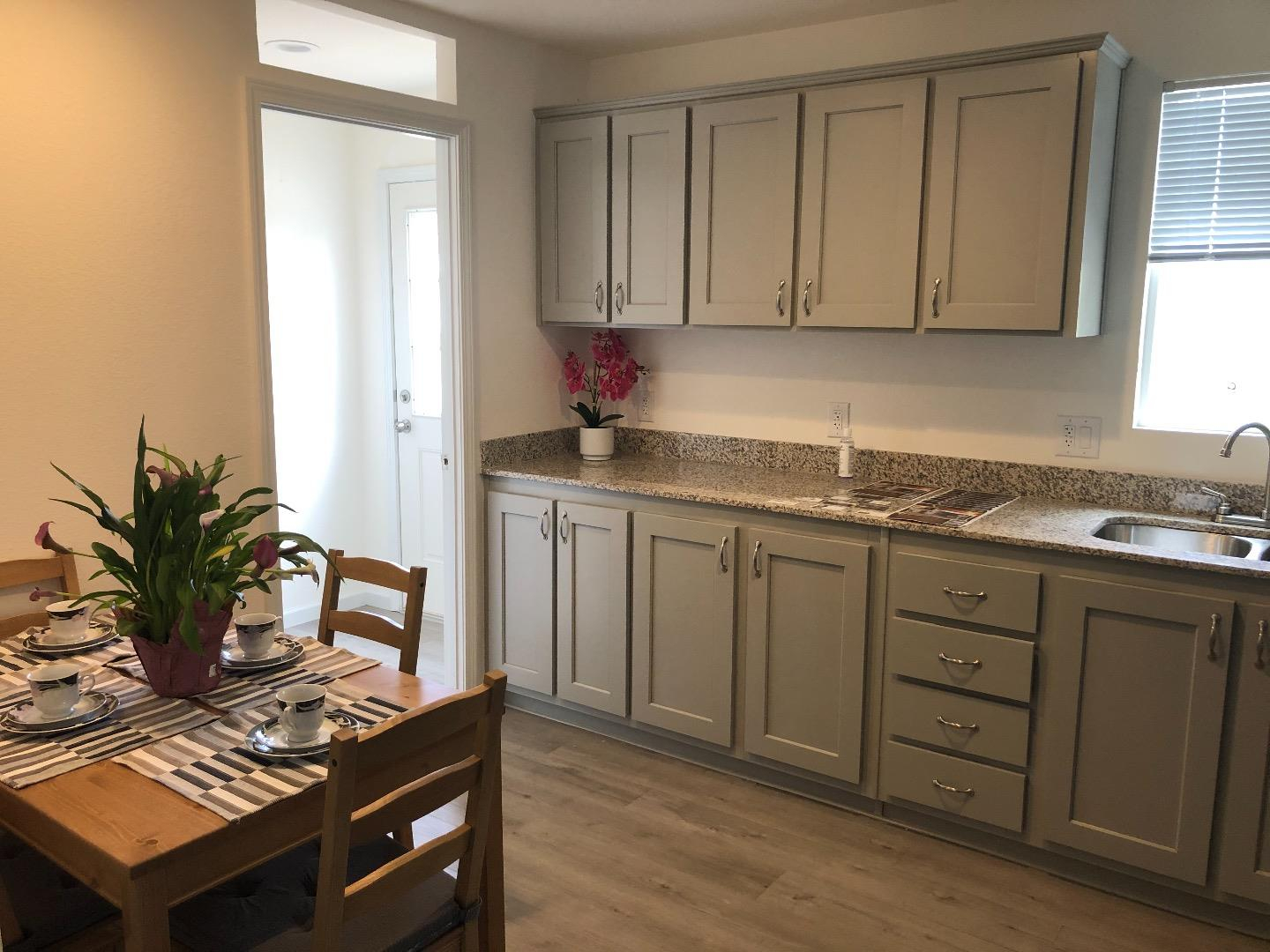 Detail Gallery Image 1 of 9 For 4300 Soquel Dr #27, Soquel, CA 95073 - 3 Beds | 2 Baths