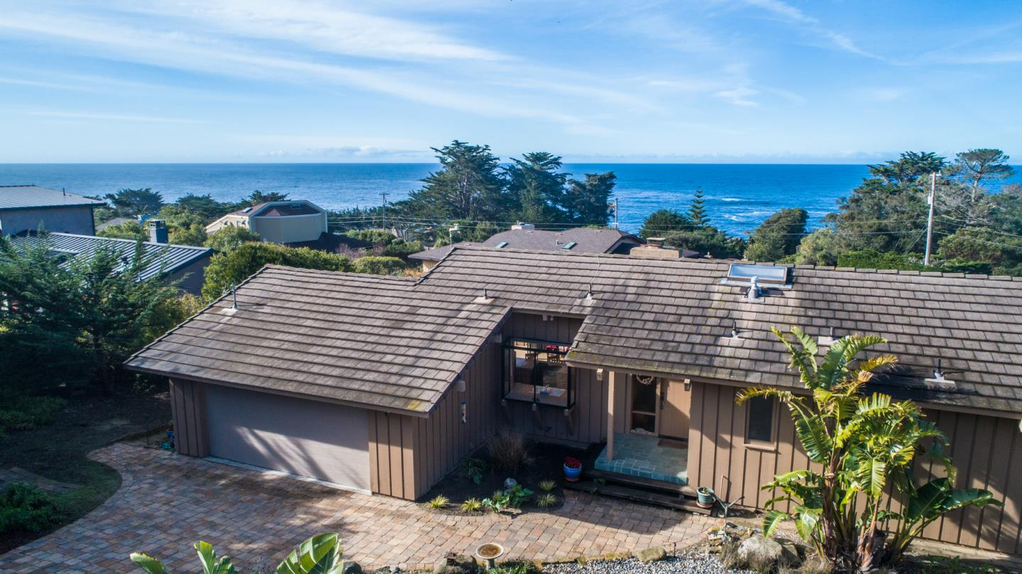 Detail Gallery Image 1 of 31 For 161 Carmel Riviera Dr, Carmel, CA 93923 - 2 Beds | 2 Baths