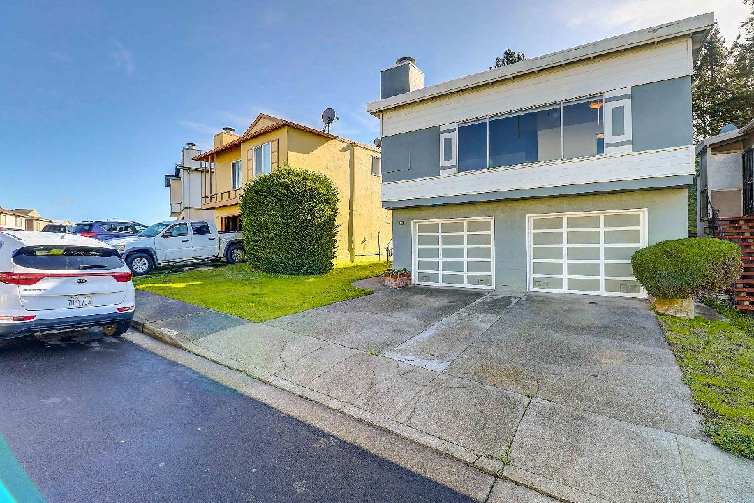 Detail Gallery Image 1 of 8 For 173 Alta Vista, Daly City, CA 94014 - 3 Beds | 2 Baths