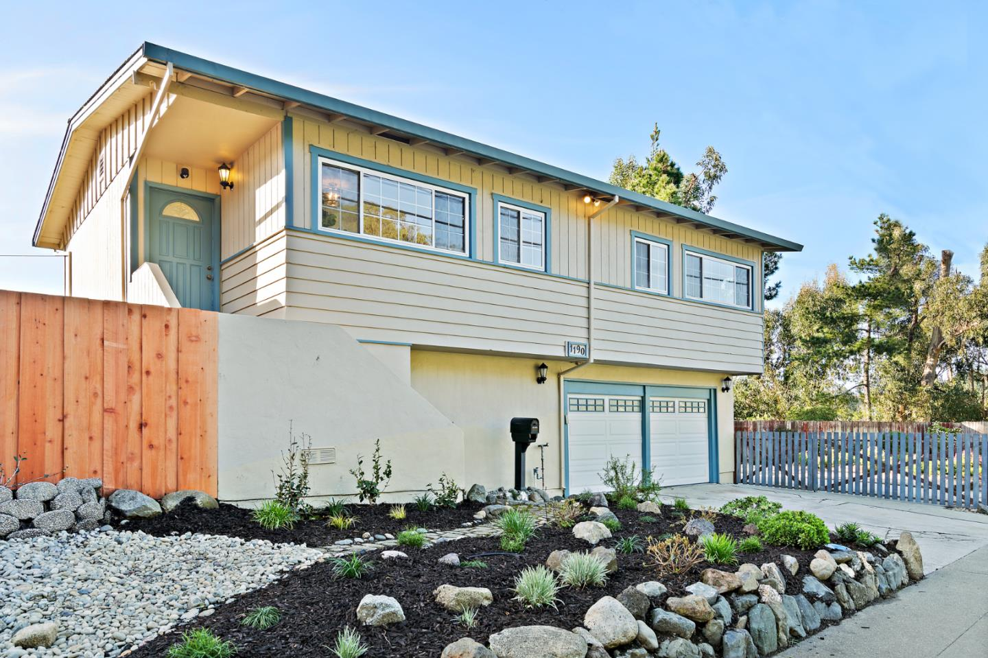 Detail Gallery Image 1 of 1 For 1190 Seville Dr, Pacifica,  CA 94044 - 3 Beds   2 Baths
