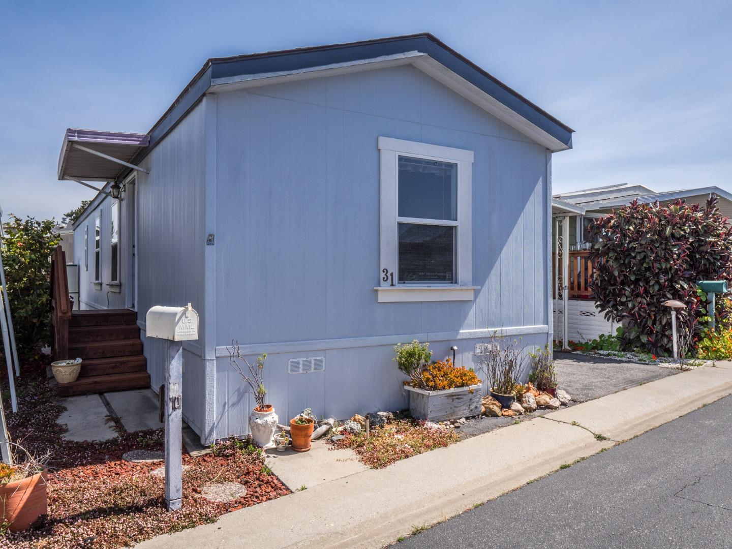 Detail Gallery Image 1 of 13 For 1040 38th Ave #31, Santa Cruz, CA 95062 - 2 Beds | 2 Baths