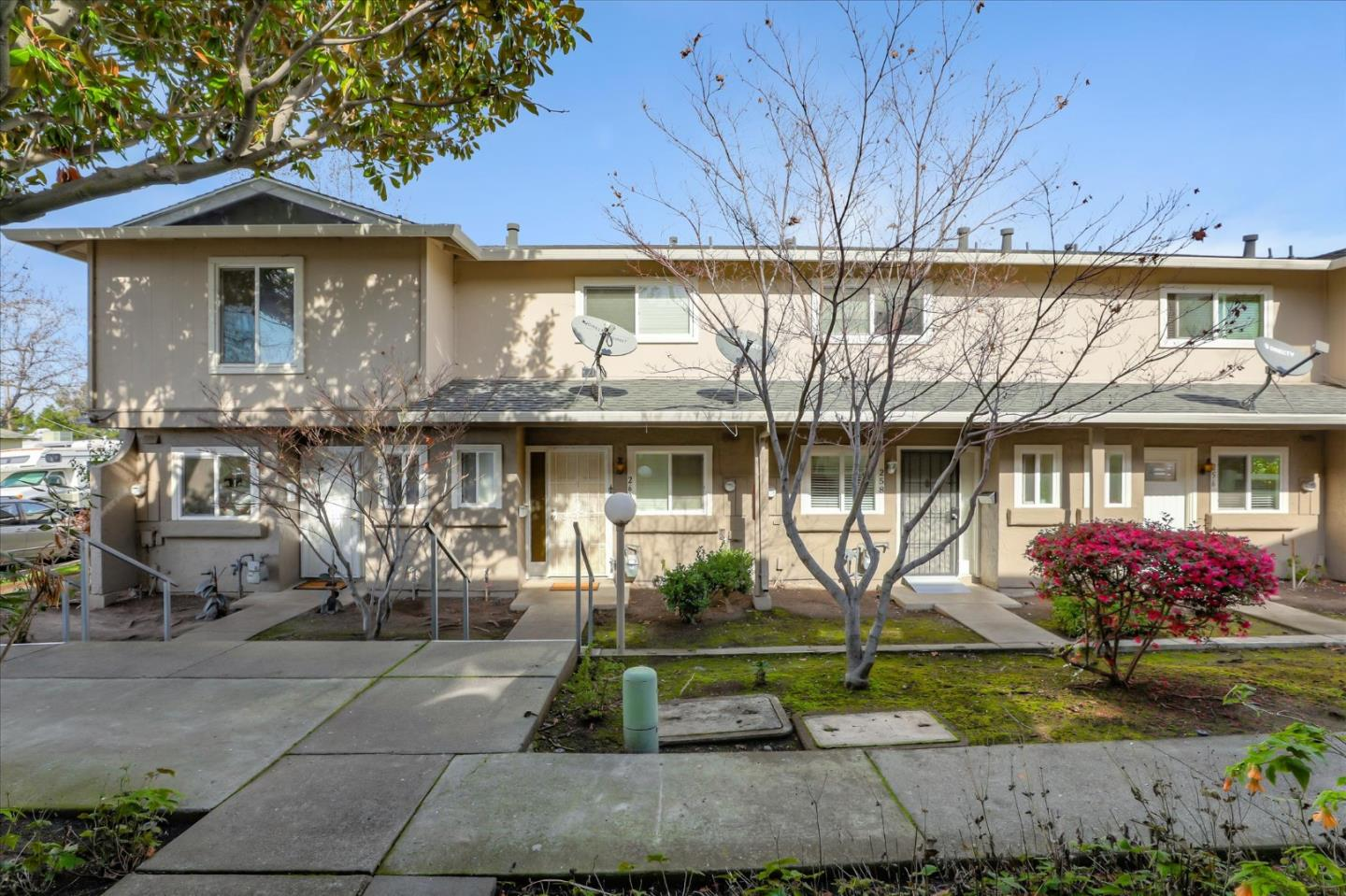 262 Lynn AVE, MILPITAS, California 95035, 3 Bedrooms Bedrooms, ,1 BathroomBathrooms,Residential,For Sale,Lynn Park Townhouse Association,262 Lynn AVE,ML81780643
