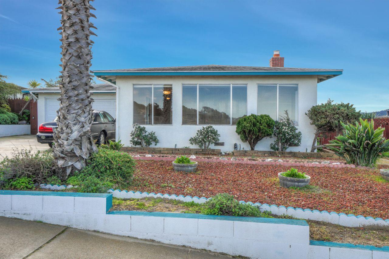 Detail Gallery Image 1 of 1 For 1670 Wanda Ave, Seaside, CA 93955 - 3 Beds | 2 Baths