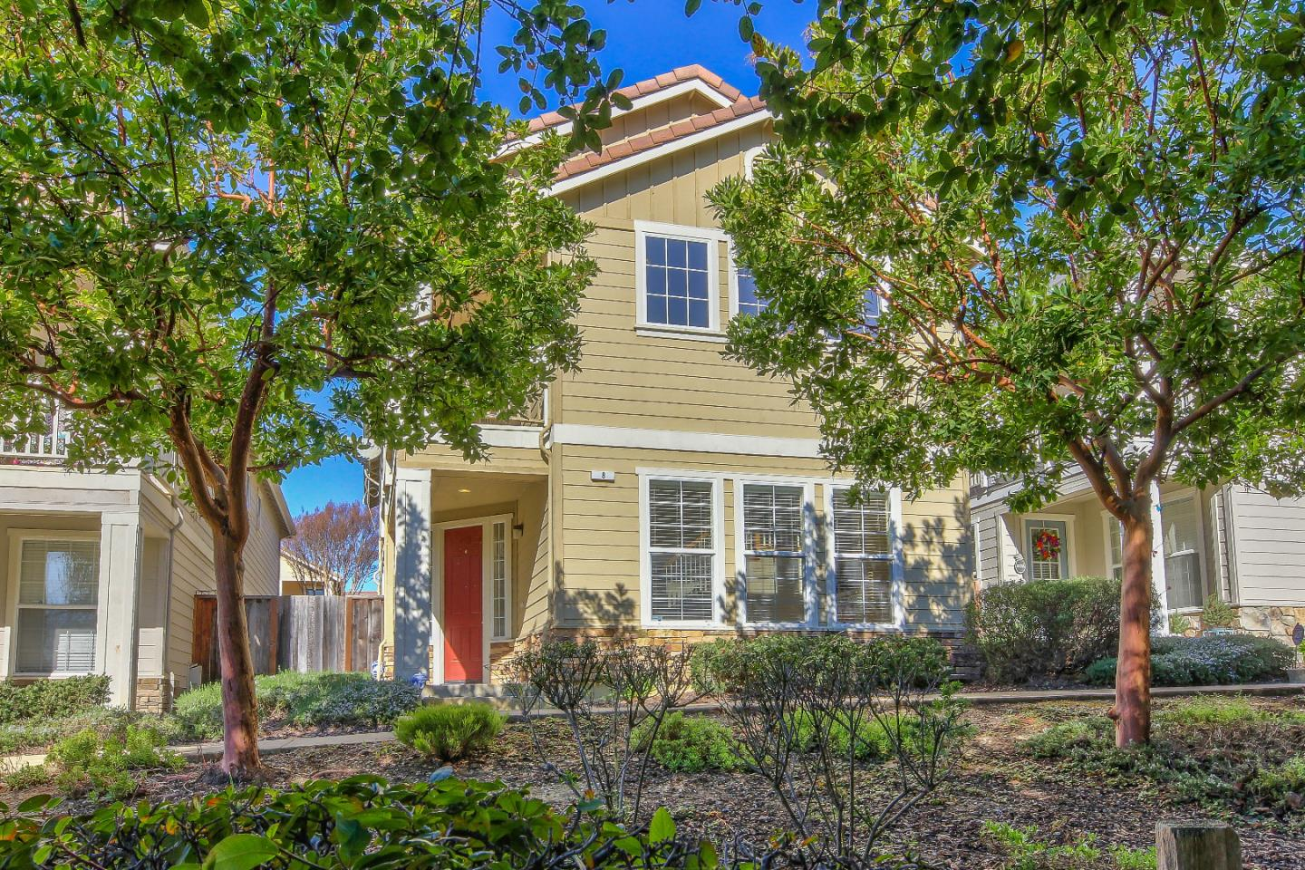 Detail Gallery Image 1 of 1 For 1346 New Hampshire Ct #8, Salinas, CA 93905 - 3 Beds   3 Baths