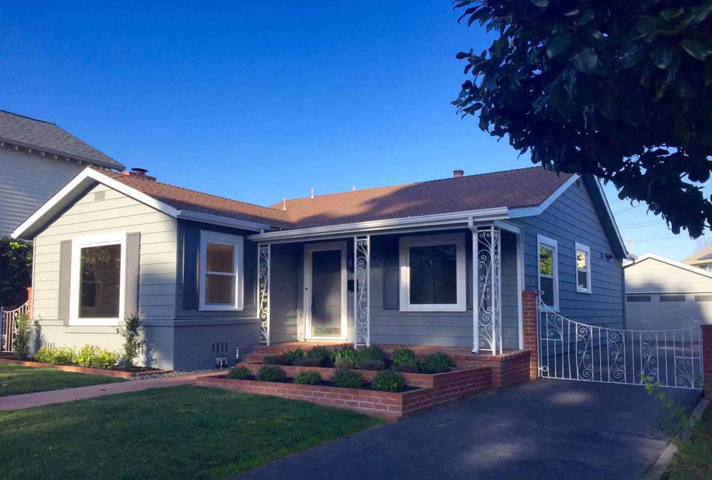 This 1938 Watsonville classic is in one of the city's best neighborhoods. This home has retained much of it's original touch with many fresh upgrades. The old world charm includes hardwood floors, a brick fireplace and a formal dining room. The two car garage is detached and the outdoor patio and yard is private with space.