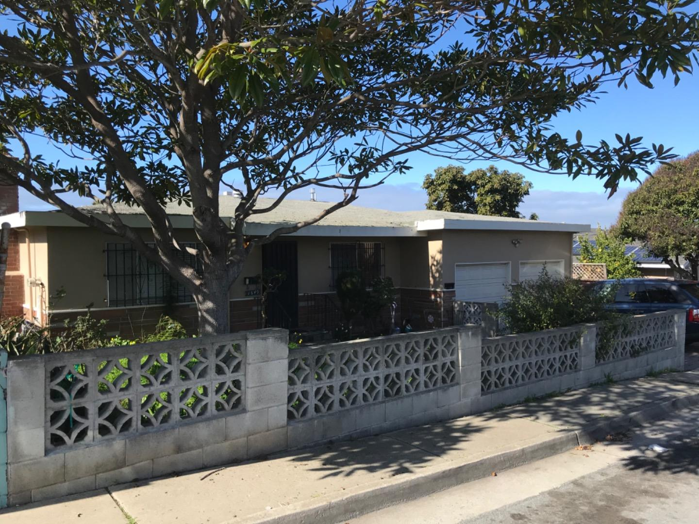 Photo of 1649 Vallejo ST, SEASIDE, CA 93955