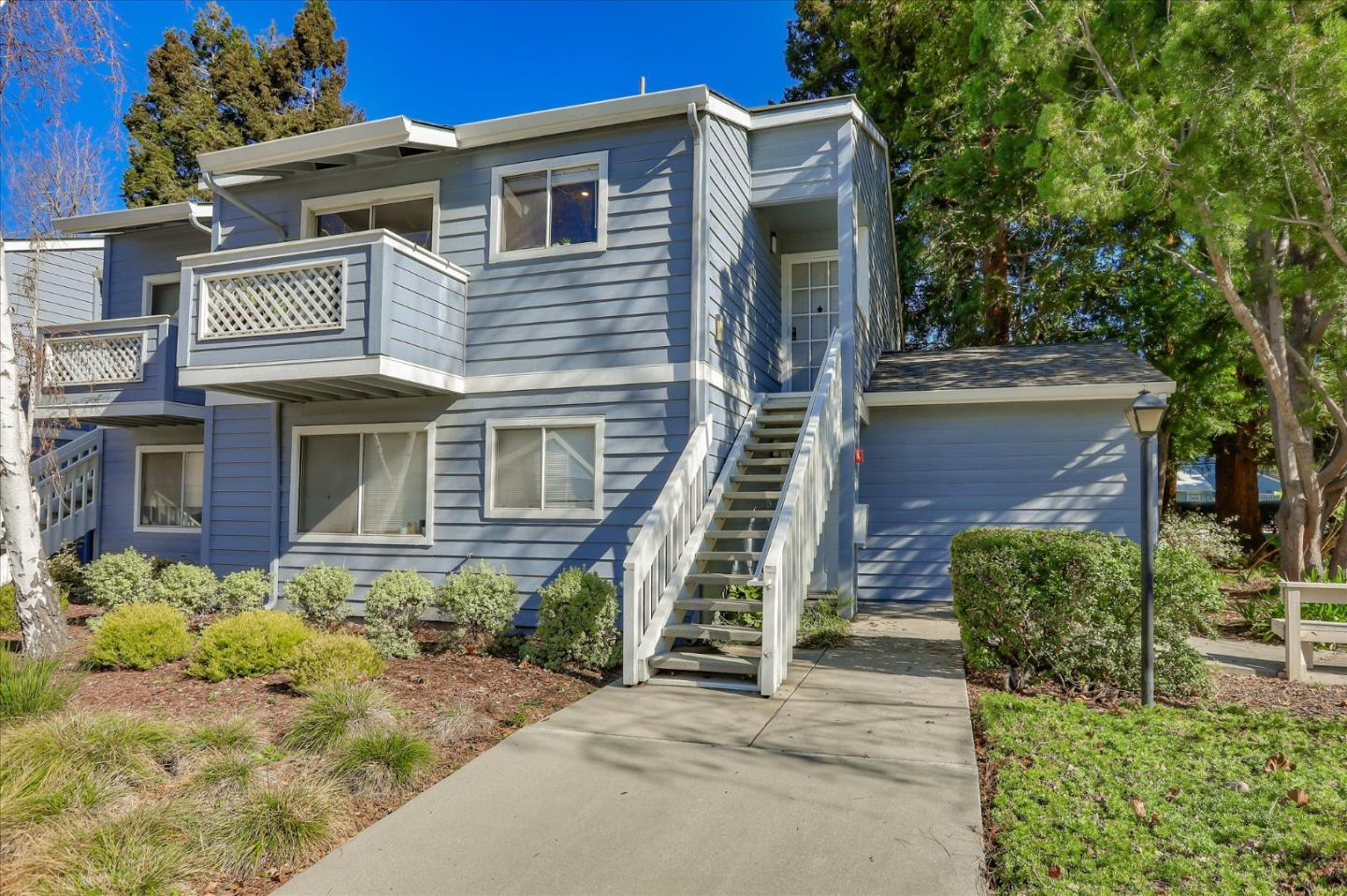 Detail Gallery Image 1 of 1 For 1547 Four Oaks Cir, San Jose,  CA 95131 - 2 Beds | 2 Baths