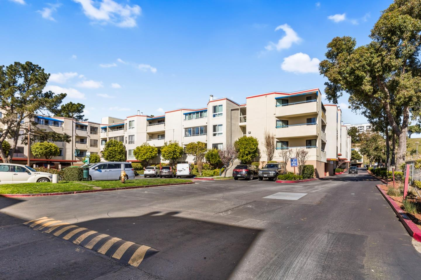 Detail Gallery Image 1 of 17 For 1551 Southgate Ave #333, Daly City, CA 94015 - 0 Beds | 1 Baths
