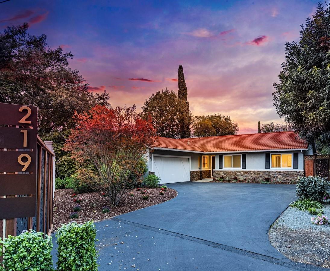 219 Portola Court Los Altos, CA 94022
