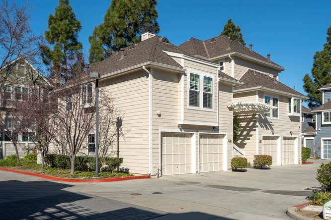 Detail Gallery Image 1 of 1 For 1051 Hull Ln, Foster City, CA 94404 - 2 Beds | 2 Baths