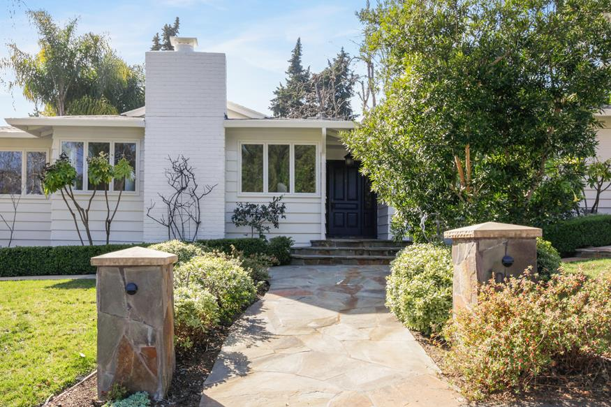 1055 Cascade Drive Menlo Park, CA 94025