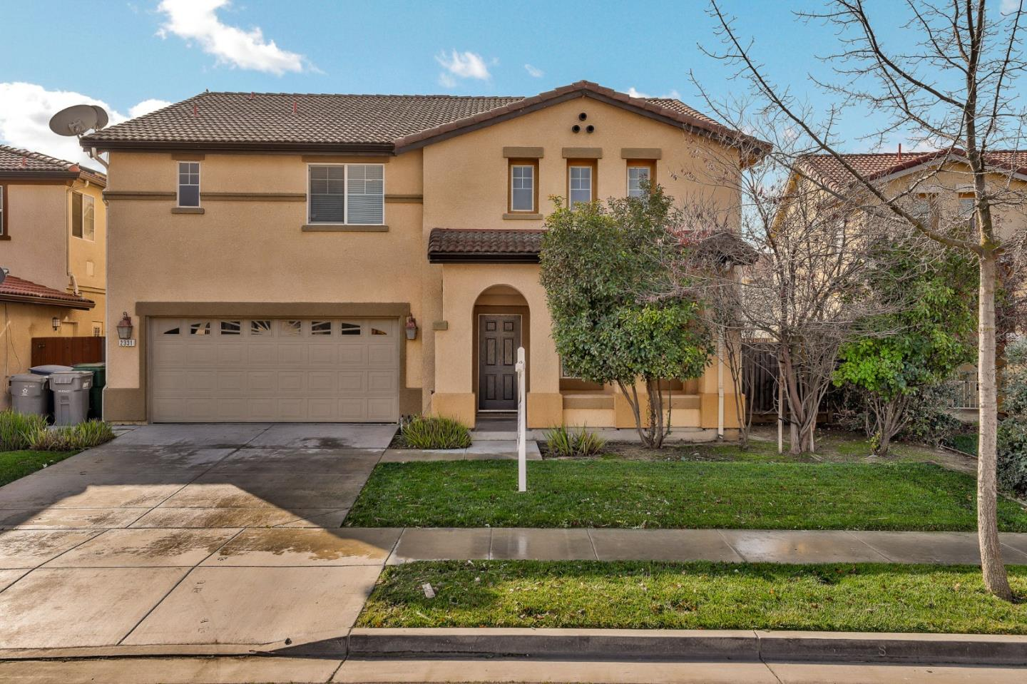 Detail Gallery Image 1 of 40 For 2331 N Mountainside Dr, Los Banos, CA 93635 - 4 Beds | 2/1 Baths